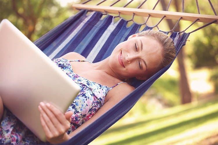 Der dLAN WiFi Outdoor Adapter sorgt dafür, dass wir auch draußen auf unser Heimnetz zugreifen können