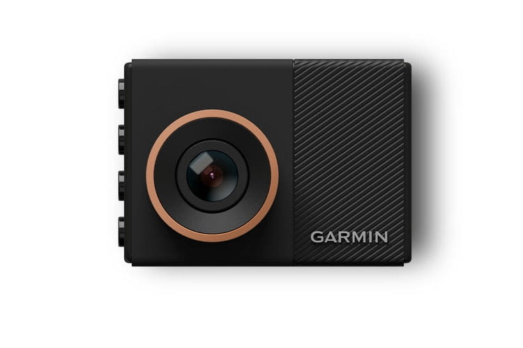 Die Garmin Dash Cam 55 überzeugt Tester mit einer Fülle von Assistenz-Funktionen und hoher Auflösung