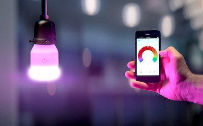 Bild der LIFX LED Lampe - Glühbirne mit eigener App