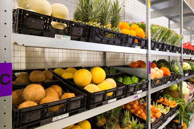 Obst und Gemüse im AmazonFresh-Depot in Hamburg