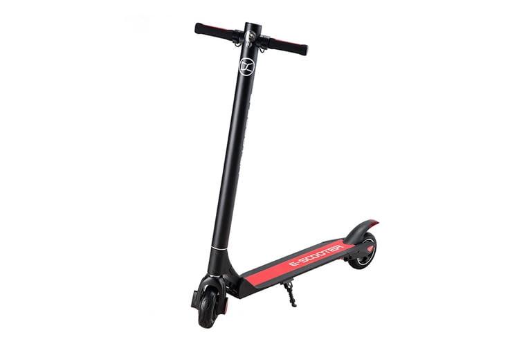 P1 Power One ist deutlich leichter als viele andere E-Scooter für Erwachsene