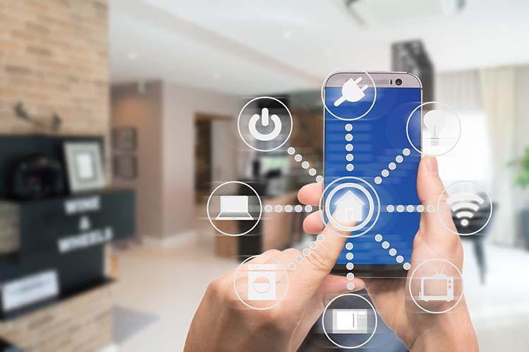 Bei einem professionellem Smart Home-System lassen sich alle Geräte mit einer App steuern