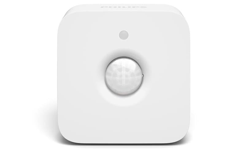 Der Philips Hue Bewegungsmelder lässt sich zum Beispiel mit smarten Philips Hue Lampen vernetzen