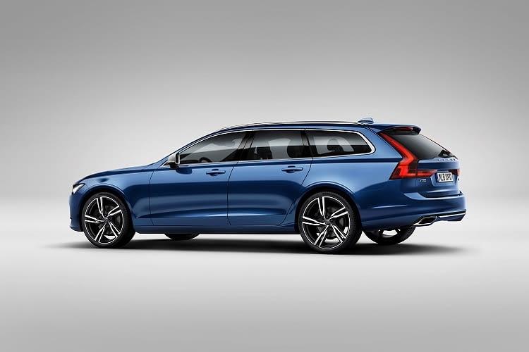 An der Steckdose zu Hause ist der Volvo V90 in maximal 7 Stunden wieder aufgeladen