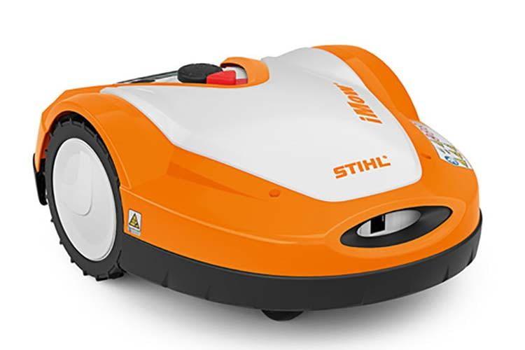 Der Rasenroboter STIHL iMow RMI 632 C kommuniziert mit Mobilfunk und GPS