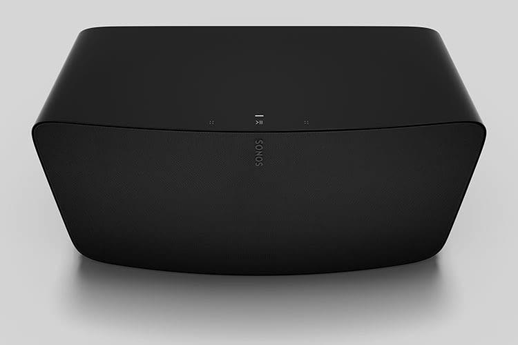 Sonos Five HiFi Box in Schwarz - der Streaming HiFi Lautsprecher präsentiert sich in edler Schlichtheit