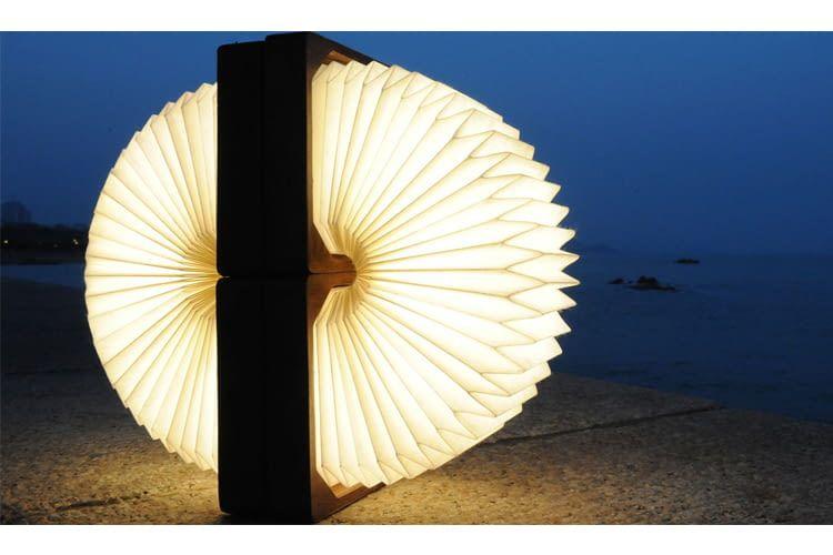 Orilamp sieht wie ein leuchtendes Kunstobjekt aus