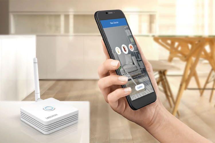 Die Medion Smart Home-Zentrale ist Dreh- und Angelpunkt im smarten Zuhause