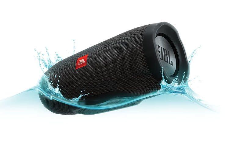 JBL Charge 3 Bluetooth-Lautsprecher: Portabler Begleiter zu Wasser und zu Land