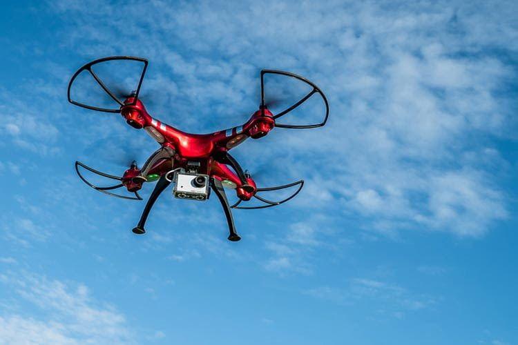 Für Actioncams gibt es verschiedene Halterungen zur Befestigung an Drohnen