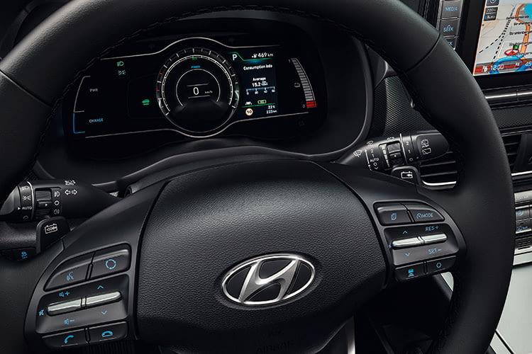 Die Anzeigen des Hyundai Kona Elektro sind alle digital