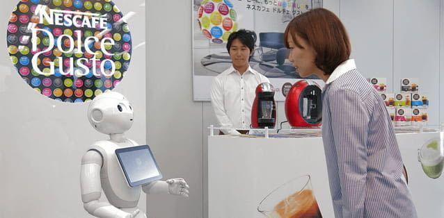 Abbildung des Pepper Roboter als Servicekraft