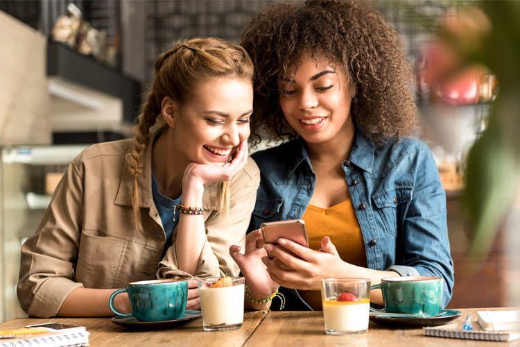 Wer seine Freunde zum Kaffee einlädt, zahlt vielleicht bald auch hier mit Apple Pay