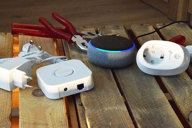 Ist Alexa gerade aktiv, leuchten Amazon Lautsprecher blau