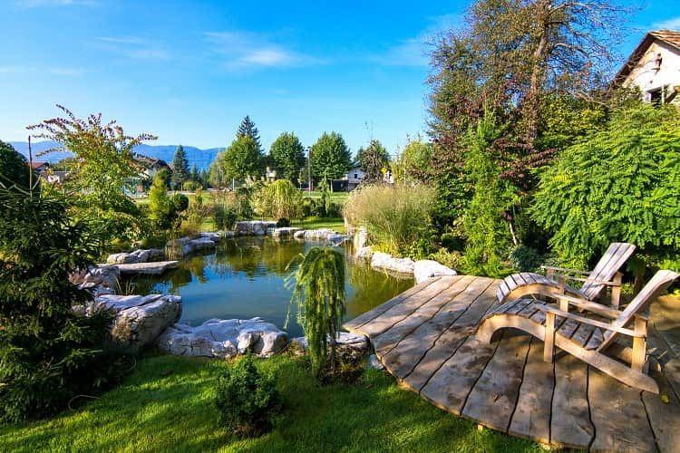 Die GARDENA Geräte sorgen für die perfekte Gartenidylle