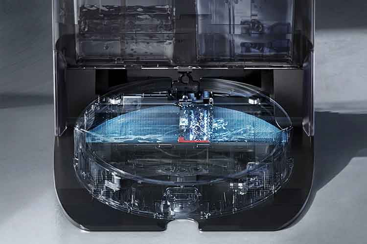 Der Wassertank im Roborock G10 Wischroboter ist mit den beiden Kammern in der Putzstation verbunden