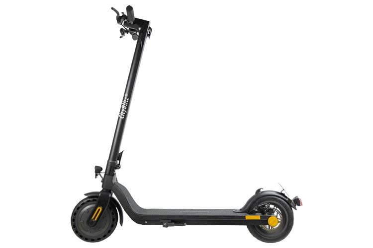 Der E-Scooter CITY BLITZ CB04 schafft laut Hersteller eine maximale Reichweite von 30 Kilomtern
