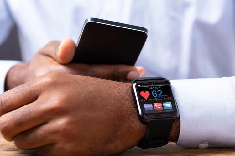 Herzfrequenzmessung zählt zu den Standardfunktionen jeder Smartwatch