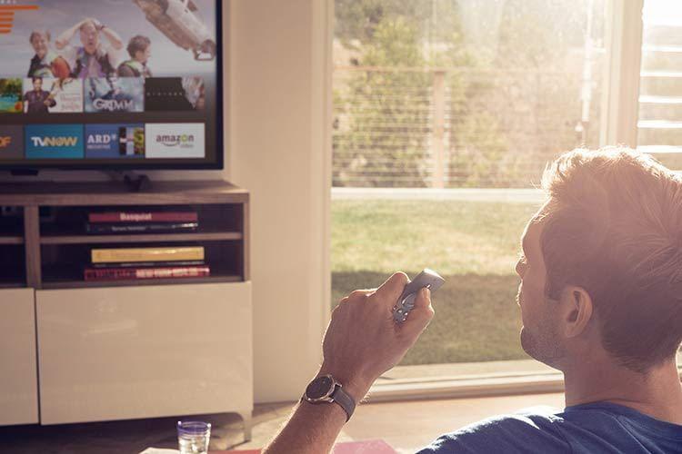 Die Navigation durch die Fire TV Apps erfolgt bequem per Fernbedienung vom Sofa aus