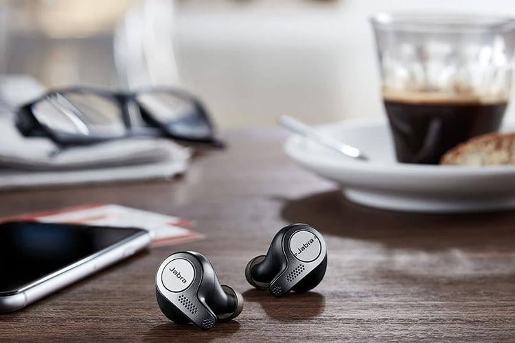 Jabra Elite 65t In-Ear-Kopfhörer sind kabellos und in einem edel-dezentem Design gehalten