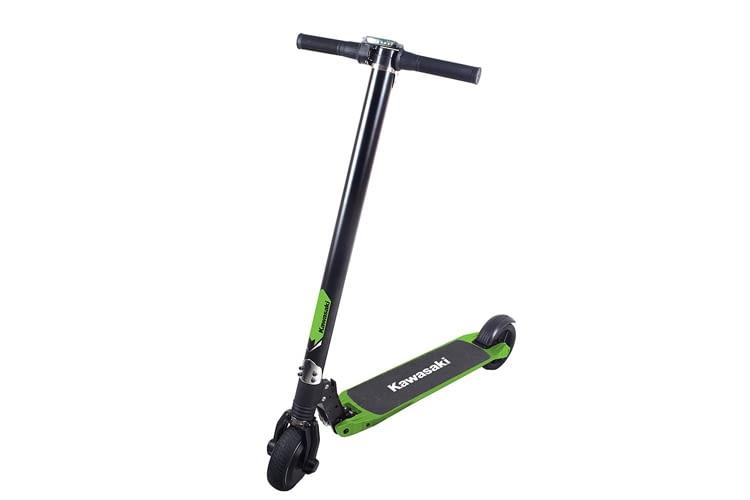 Der Kawasaki Kickscooter ist mit bis zu 100 Kilogramm belastbar