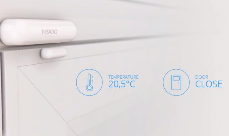 Der Fibaro Türsensor an der Terassentür achtet darauf, dass die Wohnung nicht auskühlt