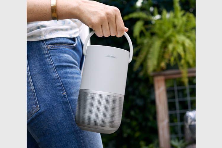 Bis zu 12 Stunden soll der Akku des portablen Lautsprechers durchhalten