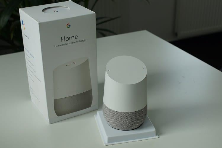 Ein Google Home aus UK steht bereits auf unserem Schreibtisch – ab August ist er in Deutschland erhältlich