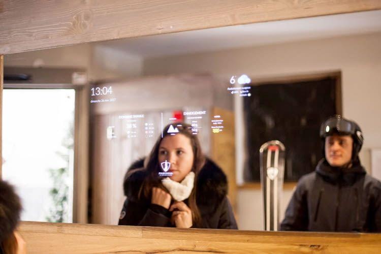 Die smarten Spiegelfunktionen können individuellen Kundenwünschen angepasst werden