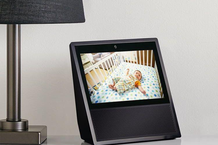 Echo Show überträgt zum Beispiel auch auf Zuruf die Live-Bilder einer Babycam