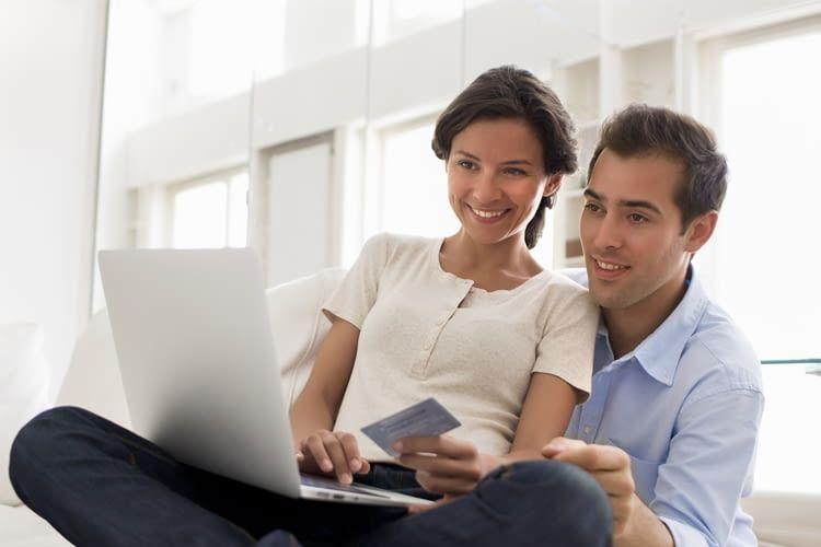 Nur wer beim Onlineshopping genau hinschaut, kann auch richtig viel sparen
