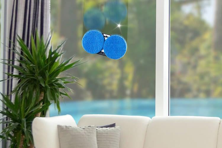 Der Sichler Fensterputzroboter sorgt für strahlende Sauberkeit