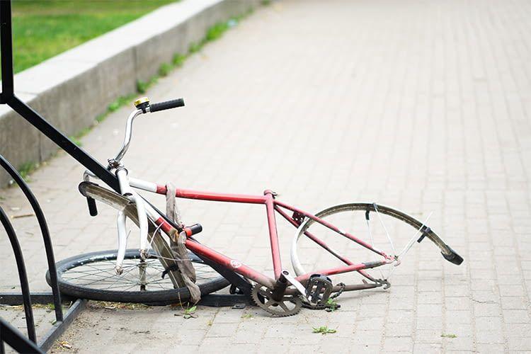Spezielle Fahrradversicherungen decken auch Schäden durch Vandalismus ab