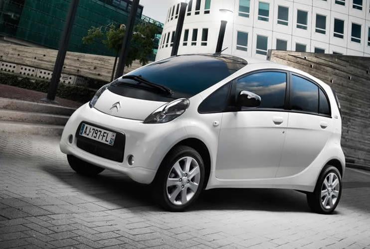 Der Citroen C-Zero ist für die Stadt gebaut - ein Elektroauto mit wenig Reichweite, aber dafür wendig.