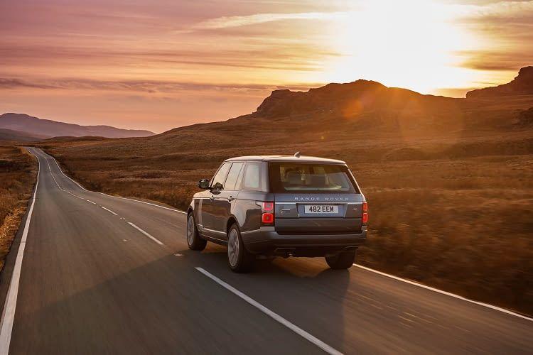 Der Range Rover P400e von Land Rover ist ein luxuriöses Elektroauto
