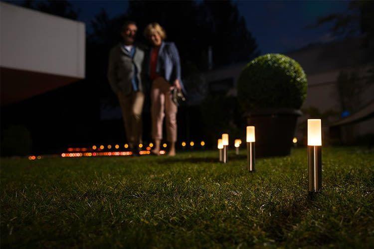 OSRAM-Außenspots beleuchten z. B. Wegen, Skulpturen oder Blumenbeete