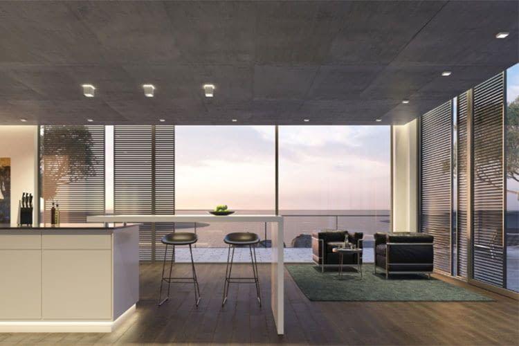 eNet SMART HOME legt Wert auf Design, z. B. mit der prämierten Einbauleuchte QUBIC von Brumberg