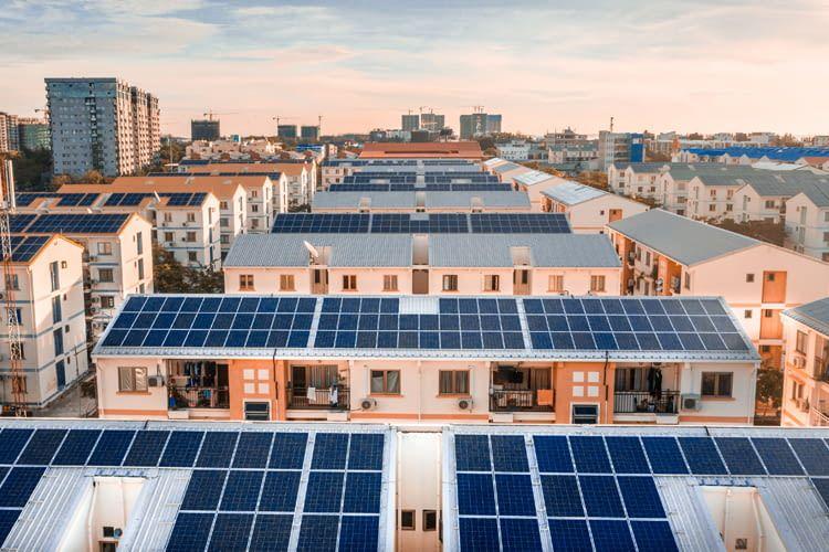 Die EINHUNDERT Energie App bietet einen genauen Überblick über den monatlichen Verbrauch