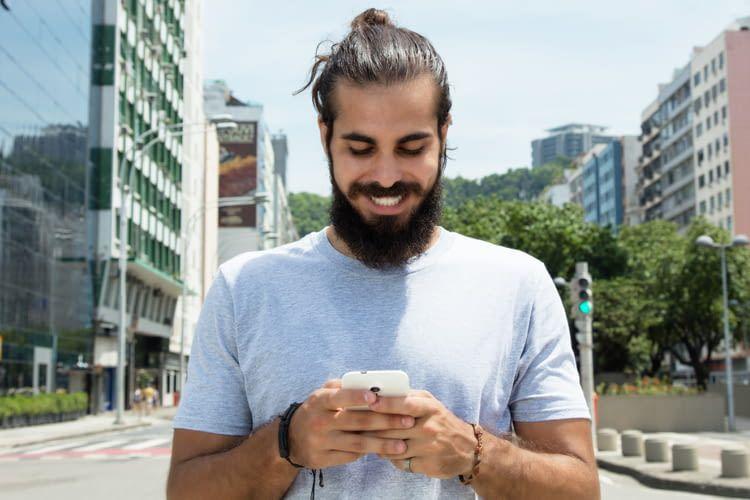 Die Geldüberweisung per Facebookmessenger ist bisher nur in Amerika möglich