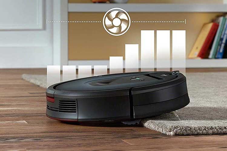 iRobot Roomba 981 erkennt automatisch, wenn er auf einen Teppich fährt und erhöht die Saugleistung