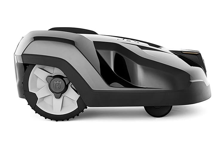 Mäht Rasen auch bei Regen: Der Rasenmäher-Roboter HUSQVARNA AUTOMOWER 420