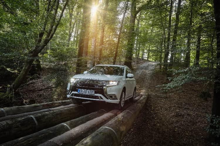 Mitsubishi Outlander Plug-in-Hybrid mit intelligentem Allradantrieb