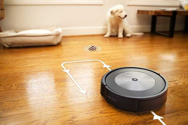 An Hundebesitzer hat iRobot mit iRobot Roomba j7 und der Hinderniserkennung ein besonderes Versprechen