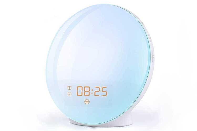 Der FITFORT Wake Up Licht Lichtwecker ist ein kleines und günstiges Gerät mit vielen Funktionen