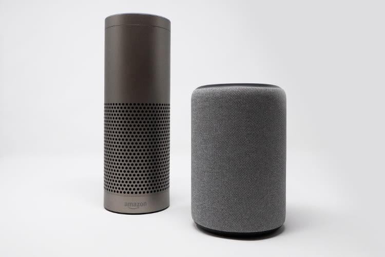 Der neue Amazon Echo Plus fällt deutlich kleiner aber sichtbar breiter aus