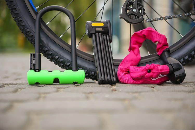Bügelschloss, Faltschloss oder Kettenschloss? Wer ein Fahrradschloss sucht, hat die Qual der Wahl
