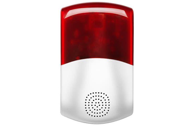 Lichtblitze und die Sirenenfunktion warnen den Nutzer vor Eindringlingen