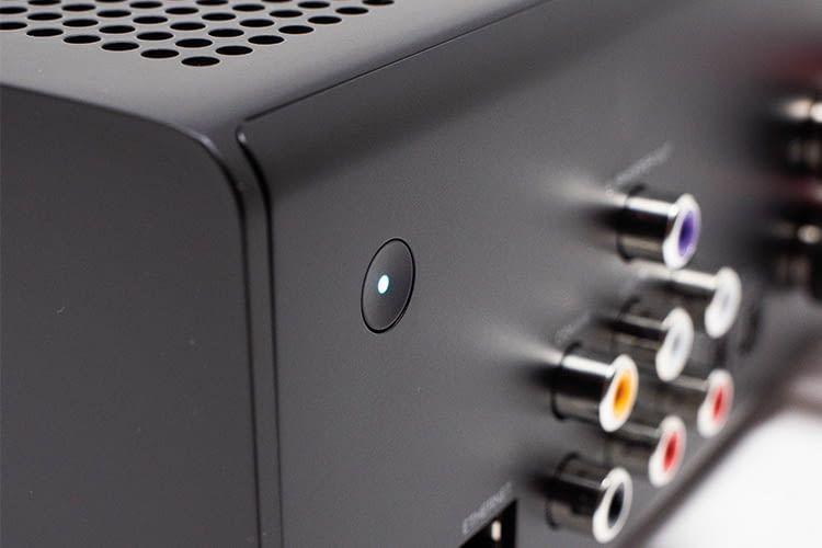 Die vom Amazon Echo bekannte Aktions-Taste befindet sich auf der Rückseite von Amazon Echo Link Amp