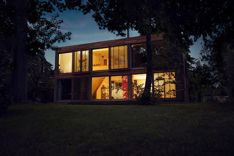 Mit einem Druck auf den Lichtschalter das Philips Hue Lichtsystem im Smart Home einschalten