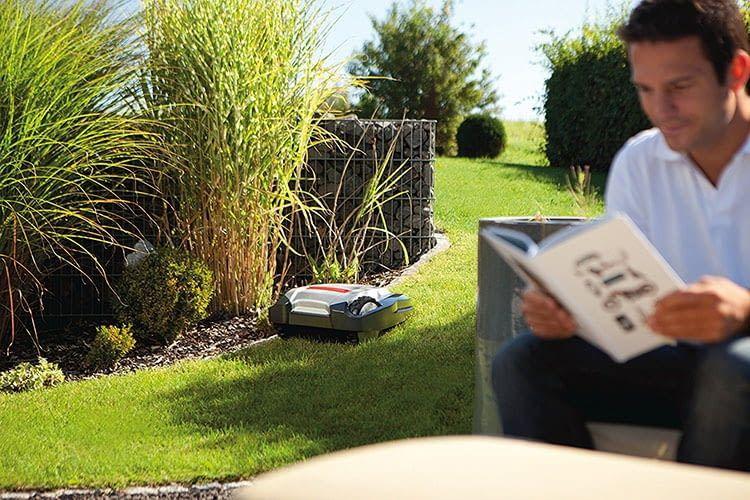 Mit dem AL-KO Robolinho 110 wird das Gartenleben viel entspannter